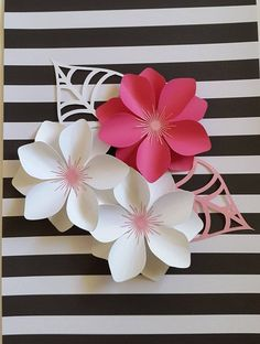 Best 11 DIY paper peonies with free printable template. [how to make paper flowers, DIY paper flower template, easy paper flower tutorial, paper craft] – Artofit Paper Flowers Craft, Paper Flower Wall, Paper Flower Backdrop, Flower Crafts, Diy Flowers, Flower Ideas, Small Flowers, Giant Paper Flowers, Paper Roses
