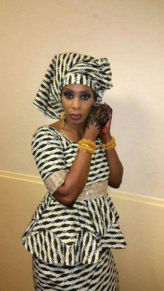 Ankara Fashion 627337423075448569 - Malian fashion whkbfxwax dress hâte quelquesmoisdemai Source by Seshoeshoe Dresses, African Dresses For Women, African Print Dresses, African Print Fashion, Tribal Fashion, African Attire, African Fashion Dresses, African Women, Ankara Fashion