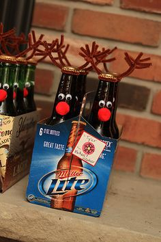 Gift the gift of inebriation with a six-pack of reindeer. 17 Ways To Have A Crafternoon With A Bottle Of Booze Neighbor Christmas Gifts, Handmade Christmas Gifts, Holiday Crafts, Christmas Crafts, Merry Christmas, Christmas Ideas, Reindeer Beer, Hot Chocolate Gifts, Mistletoe And Wine