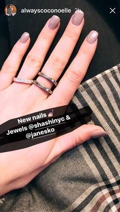CoCo Noelle in her Janesko Roundtrip ring.  #janesko #jewelry #ring #travel