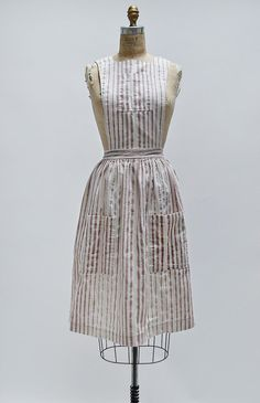 Ripe for the Picking Pinafore / 1940s pinafore dress / vintage 40s pinafore
