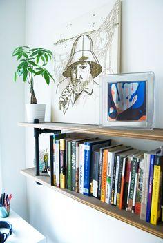 DIY: shelf out of plumbing pipe