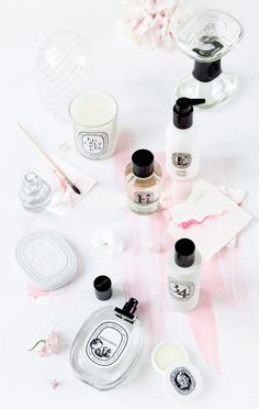 Beauty products | Flatlay | Pastel | White | More on Fashionchick.nl
