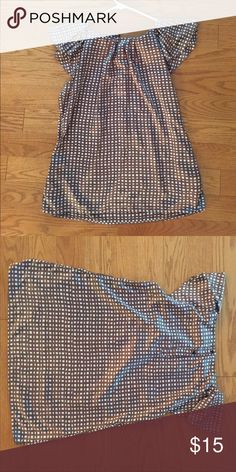 Brown checkered light weight blouse Fabulous, like new blouse from Banana Republic, size L. Elegant cap sleeve that's convertible from work to happy hour! Banana Republic Tops Blouses