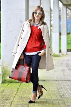 Layer up with your denim jeans. In order to wear fantastic leopard print heels, pop a sweater over your denim shirt and add a warm coat! This is a great look! That BAG! Fall 2015 Outfits, Cute Fall Outfits, Work Outfits, Casual Outfits, Big Fashion, Autumn Fashion, Womens Fashion, Fashion Styles, Street Fashion