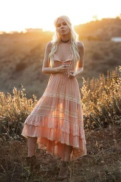 Lace-up snap-on bohemian dress Hippie Style, Bohemian Style, Love Fashion, Womens Fashion, Fashion Design, Fashion Trends, Vetement Hippie Chic, Boho Chic, Dress Outfits