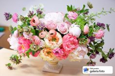 Ranunculus, Floral Wreath, Wreaths, Home Decor, Decoration Home, Room Decor, Bouquet, Flower Band, Interior Decorating