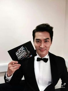 Song Seung Heon MAMA 2014 Jung So Min, Kim Min, Song Seung Heon, Fun Songs, Love Songs, Asian Actors, Korean Actors, Asian Celebrities, Korean Men