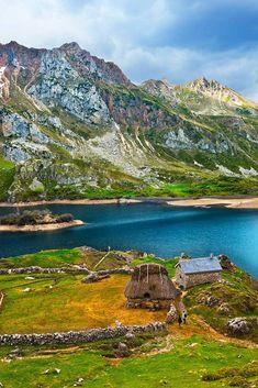 Lago del Valle en Somiedo, Asturias