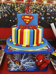 Spider Man Party / amazing superhero cake by The Sweet Boutique Superman Cakes, Superman Party, Superman Birthday, Soccer Birthday Parties, Superhero Birthday Party, Birthday Ideas, Birthday Cakes, 5th Birthday, Birthday Wishes