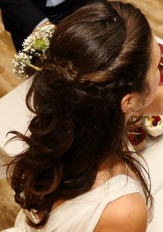 wedding hairstyle - long hair with flowers