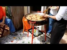 Barcelona Cooking Class with Marta:  Catalan Paella - YouTube