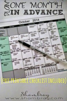 Planning a month in advance can save so much time! Free checklist included to help not forget anything that can be planned. Home Binder, Home Management, Organize Your Life, Day Planners, Planner Organization, Printable Planner, Monthly Planner, Free Printables, Getting Organized