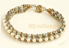 Bracelet of pearls and beads and fire-polished
