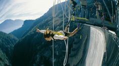 Explore the highest and most thrilling bungee jumping destinations from every continent. Know about the best bungee jumping destinations near you. Bungee Jumping, James Bond, Best Places To Skydive, Places To See, Alpine Adventure, Adventure Travel, Adventure Awaits, Switzerland Tourism, Skydiving
