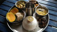Bengali fish thali Indian Meal, Indian Food Recipes, Ethnic Recipes, Fish, Meals, Power Supply Meals, Meal, Indian Recipes, Lunches