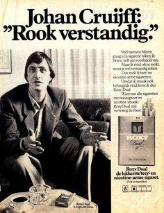 roxy 25 sigaretten - Google zoeken Toen roken nog gewoon was. 30 jaar geleden rookte je gewoon binnen op het werk, en ook op school na de middelbare school was dat in de hal toegestaan. Ongelooflijk hoe dat nu verbannen is. For the better! Vintage Advertisements, Vintage Ads, Vintage Posters, Smoking Causes Cancer, When You Kiss Me, Customer Journey Mapping, Commercial Ads, Best Ads, Sophia Loren