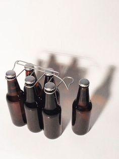 oooms | sixpack bottle carrier (via http://pinterest.com/pin/2351893/)