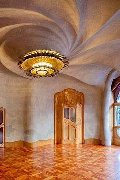 Interior of Antoni Gaudí's Casa Batlló, Barcelona, Spain #travel #barcelona #spain #design #designinspiration