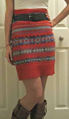 simply step back: Tutorial: Make a Cute Skirt from an Ugly Christmas Sweater- maybe we should have an ugly sweater party. Old Sweater, Ugly Sweater Party, Ugly Christmas Sweater, Sweater Skirt, Holiday Sweater, Sweater Refashion, Sweater Dresses, Diy Christmas, Xmas