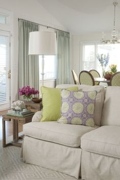 Liz Carroll Interiors - Beach house living room