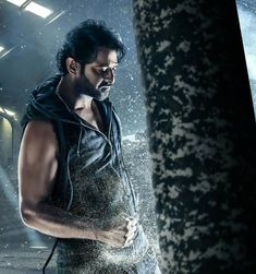 Unbearable to Excellent. It sums of the movie verdict. Is Loud & Clear. Prabhas Pics, Hd Photos, Girl Photos, Darling Movie, Prabhas Actor, Telugu Hero, Bollywood Wallpaper, Best Photo Background, Background Images