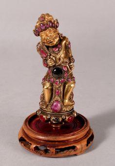 Keris hilt c.1820 Gold, gilded silver, ruby