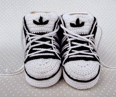 Santa Clara Artesanato: Tenis Adidas e Nike de crochê