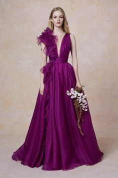 2018 Long Sleeve Gold Prom Dresses,Long Evening Dresses,Prom Dresses On Sale Want a glamorous red carpet look for a fraction of the price? Gold Prom Dresses, Prom Dresses For Sale, Bridesmaid Dresses, Formal Dresses, Wine Color Bridesmaid Dress, Style Couture, Couture Fashion, Fashion Show, Fashion Today