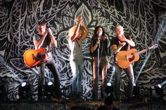 """Little Big Town rockin' the show at Keith Urban's  """"Light the Fuse"""" Tour 2013 in St. Louis -92.3 WIL  #GetYourCountryOn"""