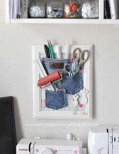 What a great way to upcycle old jeans! Cute idea for your old jean pockets: home office organization