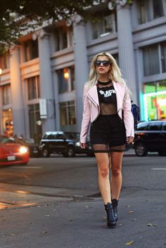 Evelina Barry, love her style