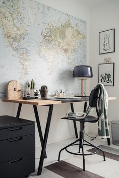 Lastenhuoneesta työhuoneeksi ja päinvastoin Office Desk, Home Office, Corner Desk, Ikea, Furniture, Home Decor, Corner Table, Desk Office, Decoration Home
