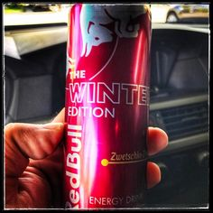 Passend zum späten Wintereinbruch jetzt auch in #münchen erhältlich die Red Bull Winter Edition - Zwetschke/Zimtnelke - Ole ole und Sau lecker... https://089DJ.com #089DJ #perkins #djslife #munich #partyforall #hearitfirst #soundjunkie #eventlocation #redbull #djontour #winterimapril #drinkoftheday