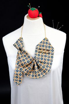 the vintage tie jabot necklace . in gold and teal
