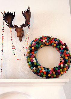Новогодние идеи: как сделать веночки на дверь Russian crafty blogger gives me the perfect holiday wreath idea