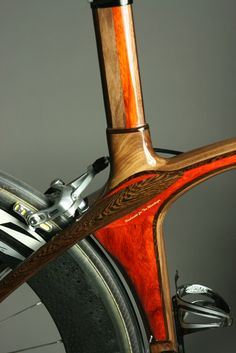 Detail of wooden inlays on a Renovo hardwood bicycle. Wooden Bicycle, Wood Bike, Bicycle Art, Velo Design, Bicycle Design, Cool Bicycles, Vintage Bicycles, Bike Details, Push Bikes