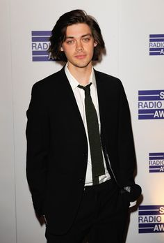 Tom Payne Photos - Tom Payne arrives for the Sony Radio Academy Awards at the Grosvenor House Hotel on May 2009 in London, England. (Photo by Frantzesco Kangaris/Getty Images) * Local Caption * Tom Payne - Sony Radio Academy Awards - Arrivals Tom Payne Actor, Thomas Payne, Tom Tom Club, Waterloo Road, Kiss Of Death, Prodigal Son, Attractive People, Gorgeous Men, Future Husband