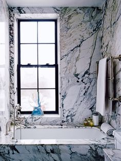 House tour: a finely tuned classic Manhattan apartment: The marble bathroom. This home originally appeared in the NOvember/December 2015 issue of Vogue Living. YOU SHOULD ALSO SEE: A Manhattan townhouse reimagined for family life cozybathroom Bathroom Interior, Modern Bathroom, Small Bathroom, Marble Bathrooms, Marble Interior, Cozy Bathroom, Bathroom Goals, White Bathroom, New York Apartments