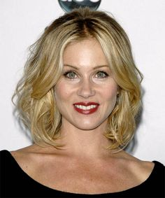 Google Image Result for http://hairstyles.thehairstyler.com/hairstyle_views/front_view_images/788/original/8704_Christina-Applegate_copy_2.jpg