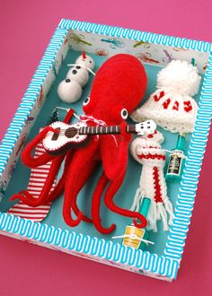 so fantastic and witty!! Dress-Up Squid & Octopus by Hine Mizushima, via Behance