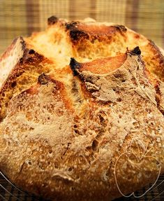 Pan de sémola de trigo con masa madre Semolino sourdough bread Pain à la semoule de blé et au levain