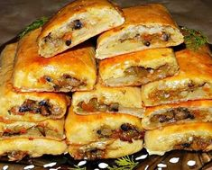 Delicate and at the same time nourishing rolls of potato dough with mushroom filling. Ingredients: Flour - 550 g, can be a little less' Pizza Sandwich, New Recipes, Sweet Recipes, Vegan Recipes, Fried Mushrooms, Stuffed Mushrooms, Good Food, Yummy Food, Savoury Baking