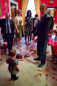 It's awkward enough when your toddler goes into meltdown mode in a crowded store or on an airplane.But what do you do when the crying fit happens in the White House in front of the President and First Lady of the United States? That's what the Moser family had to figure out when daughter Claudia had a full-tilt tantrum as the family was preparing for a Passover Seder with the Obamas this past April.