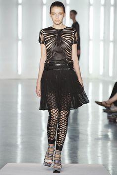 Rodarte Spring 2009 Ready-to-Wear Fashion Show - Sasha Pivovarova