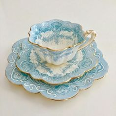 New wedding photography ideas vintage tea parties ideas, You are able to enjoy break fast or different time intervals using tea cups. Tea cups also provide decorative features. When you go through the tea cup versions, you might find that clearly. Tea Cup Set, My Cup Of Tea, Tea Cup Saucer, Vintage Cups, Vintage Dishes, Tea Sets Vintage, Vintage China, Vintage Tea Parties, Teapots And Cups