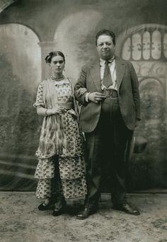 Изображение со страницы http://www.who2.com/sites/default/files/imagecache/blog-full/blog/inline/5/frida_kahlo_diego_rivera_portrait.jpg.