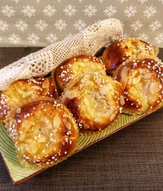 Bread Recipes, Baking Recipes, Dessert Recipes, Grandma Cookies, Baked Doughnuts, Bun In The Oven, Sweet Pastries, Everyday Food, Cinnamon Rolls