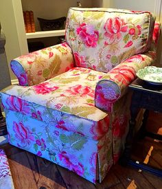 Chelsea Upholstery & Roman Shades 415 453 6474  chelseageo@gmail.com chelseaupholsterywix.com Summer is a great time to complete projects. Reupholstery, slipcovers, Roman shades, etc.