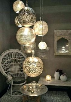▷ 130 + ideas for oriental decoration - pure luxury in your home .- ▷ 130 + Ideen für orientalische Deko – Luxus pur in Ihrer Wohnung oriental fabrics many lamps subtle light in the small room armchair candle miniregal tray table decor - Decor, Asian Decor, Lamp Decor, Wall Decor Bedroom, Living Room Diy, Neutral Bedroom Decor, Moroccan Room, Oriental Living Room, Room Decor
